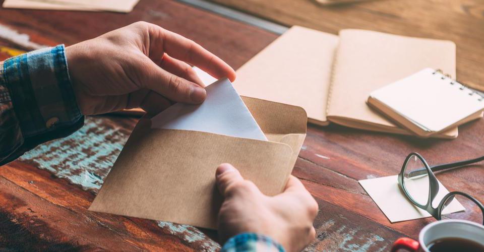 封筒の書き方とは?就活で郵送物を送る際に知っておきたいマナー